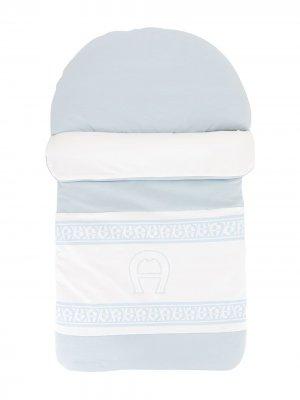 Одеяло с вышивкой Aigner Kids. Цвет: синий