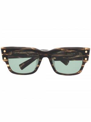 Солнцезащитные очки в оправе с мраморным эффектом Balmain Eyewear. Цвет: коричневый