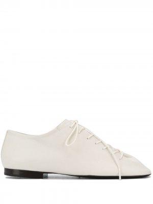 Туфли дерби с квадратным носком Lemaire. Цвет: белый