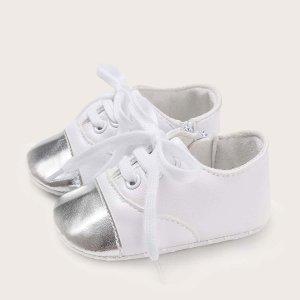 Балетки на шнурках для мальчиков SHEIN. Цвет: белые