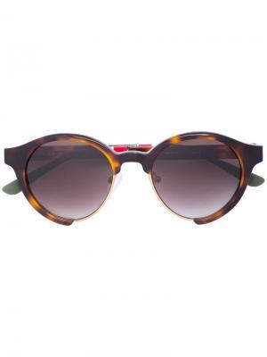 Солнцезащитные очки в округлой оправе с черепаховым эффектом Linda Farrow. Цвет: коричневый