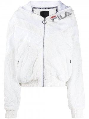 Куртка с пайетками и логотипом Fila. Цвет: белый
