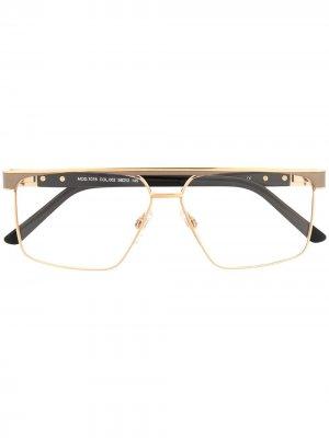 Солнцезащитные очки 7078 в прямоугольной оправе Cazal. Цвет: золотистый