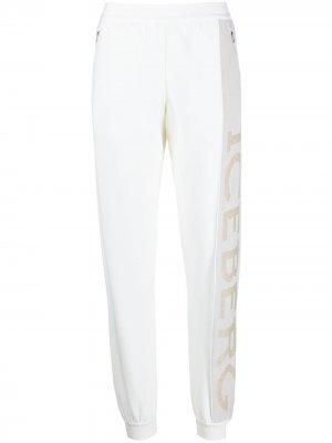 Спортивные брюки с логотипом Iceberg. Цвет: белый