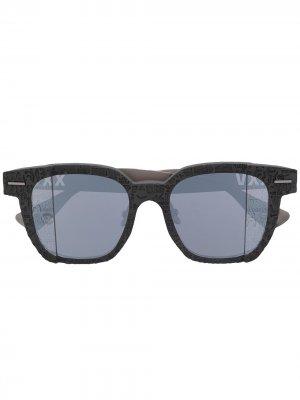 Солнцезащитные очки в квадратной оправе с логотипом A BATHING APE®. Цвет: серый