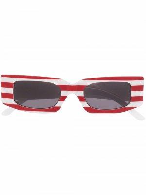 Солнцезащитные очки в квадратной оправе полоску Sunnei. Цвет: красный