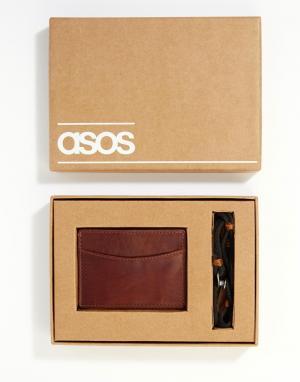 Подарочный набор с визитницей и браслетом ASOS. Цвет: коричневый