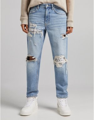 Голубые джинсы в стиле 90-х с рваной отделкой и заплатками цветочном -Голубой Bershka