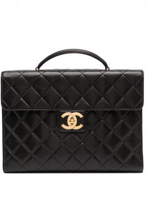Стеганый портфель 1995-го года с логотипом CC Chanel Pre-Owned. Цвет: черный