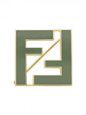 Двухцветная брошь FF Fendi. Цвет: зеленый