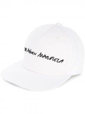 Кепка с вышитым логотипом MM6 Maison Margiela. Цвет: белый