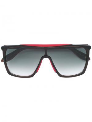 Солнцезащитные очки в объемной оправе Givenchy. Цвет: чёрный