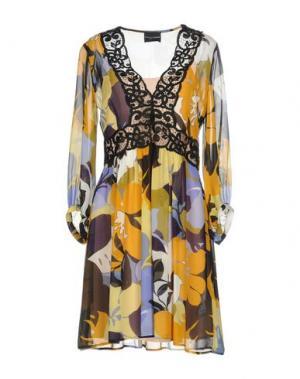 Короткое платье ATOS LOMBARDINI. Цвет: охра