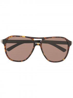 Солнцезащитные очки-авиаторы с затемненными линзами Bvlgari. Цвет: коричневый