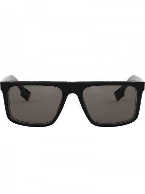 Солнцезащитные очки в прямоугольной оправе Burberry Eyewear. Цвет: черный
