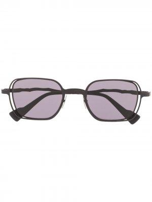 Солнцезащитные очки H22 в квадратной оправе Kuboraum. Цвет: черный