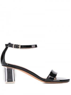 Босоножки на устойчивом каблуке Albano. Цвет: черный