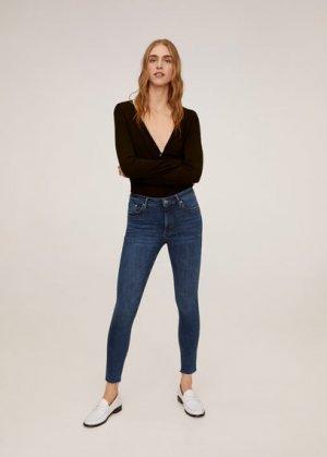 Укороченные джинсы скинни Isa - Mango. Цвет: темно-синий