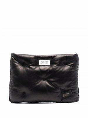 Logo-plaque padded leather clutch bag Maison Margiela. Цвет: черный