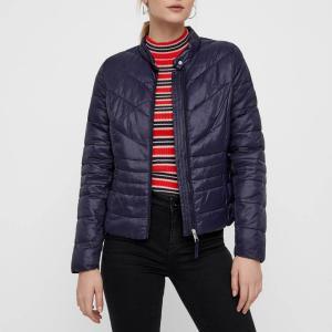 Куртка стеганая короткая с застежкой на молнию, модель демисезонная VERO MODA. Цвет: темно-синий,черный