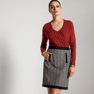 Пуловер с V-образным вырезом, оригинальной ажурной отделкой спереди и длинными рукавами ANNE WEYBURN. Цвет: кирпичный,черный,экрю