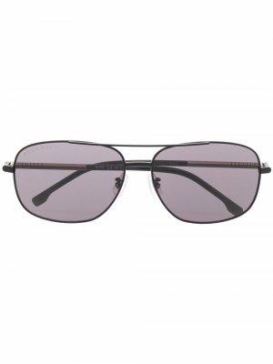 Солнцезащитные очки-авиаторы с затемненными линзами Boss Hugo. Цвет: черный