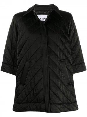 Атласная стеганая куртка с укороченными рукавами GANNI. Цвет: черный