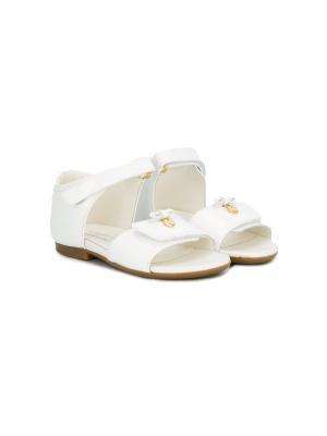 Сандалии с бантом Dolce & Gabbana Kids. Цвет: белый