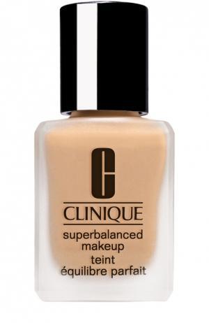 Суперсбалансированный тональный крем для комбинированной кожи, тон 11 Clinique. Цвет: бесцветный