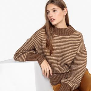 Пуловер объемный с круглым вырезом из плотного трикотажа SEE U SOON. Цвет: каштановый