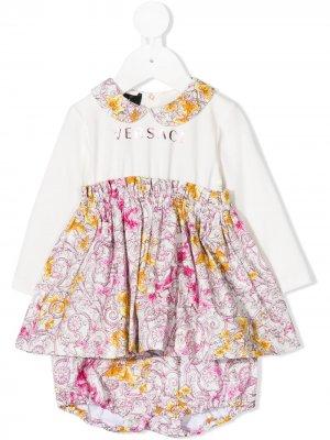 Платье-рубашка с цветочным принтом Young Versace. Цвет: белый