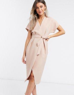 Пудрово-розовое платье миди с запахом и поясом -Розовый Closet London