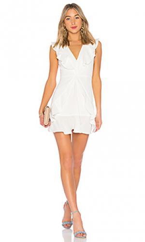 Мини платье с рюшами tyrah BCBGMAXAZRIA. Цвет: белый