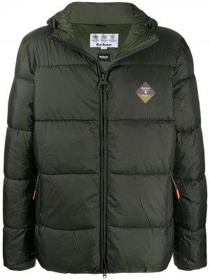 Стеганая куртка Beacon Hike Barbour. Цвет: зеленый