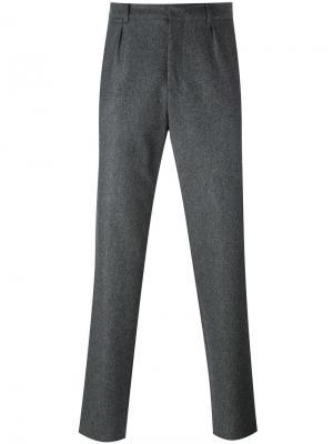 Классические брюки A.P.C.. Цвет: серый