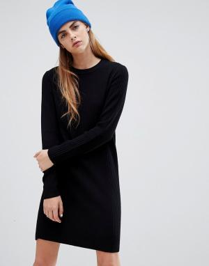 Трикотажное платье в рубчик Bershka. Цвет: черный