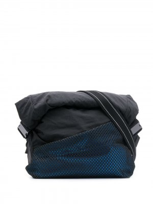 Поясная сумка с перфорацией Bottega Veneta. Цвет: черный