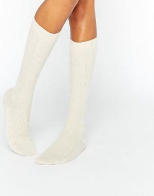 Кремовые кашемировые гольфы с узором косичка of Elgin Johnstons. Цвет: кремовый