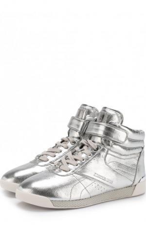 Высокие кеды Addie из металлизированной кожи MICHAEL Kors. Цвет: серебряный